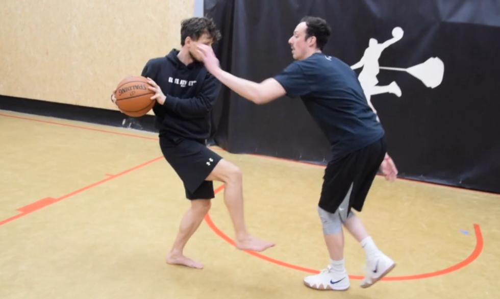 Balancing – Disturbing with Hands, Feet & Ball